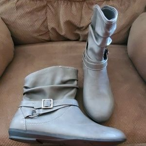 NWOT Gray Ankle Boots